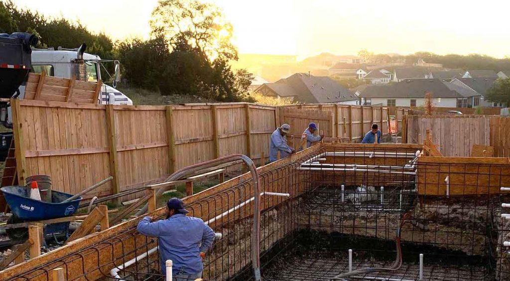 Austin Pool Construction experts Lakeside Custom Pools service the entire Austin, TX region. High quality craftmanship, top rated Austin Pool Builders.